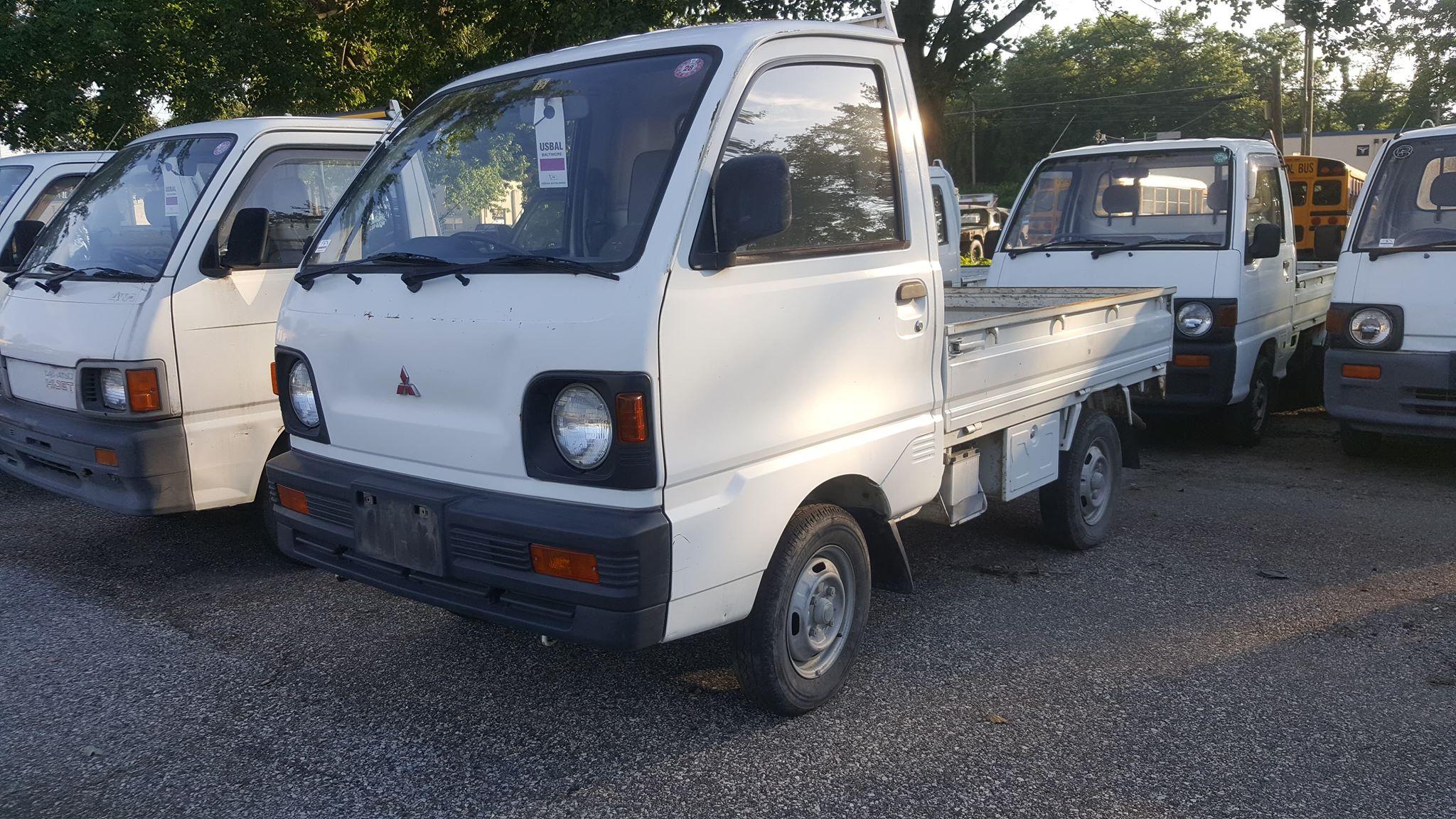 1993 Mitsubishi Minicab 2WD - $4,400